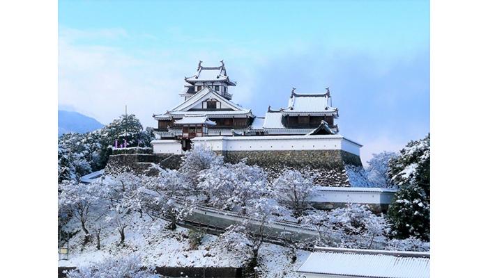 明智光秀ゆかりの「福知山城」京都グランピング