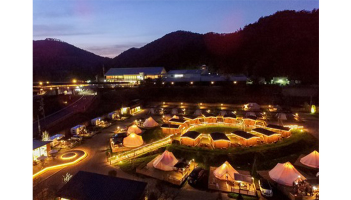 GRAX京都グランピング雪景色美食温泉旅