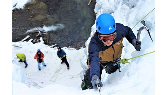 アイスクライミングキャンプ×冬遊び、日光だいや川公園オートキャンプ場開催