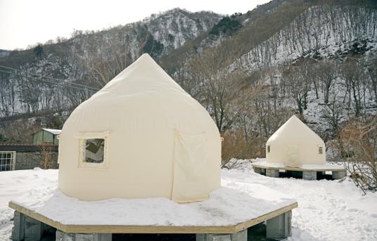 インスタントハウスJR東日本が無人駅にグランピング実証実験開始