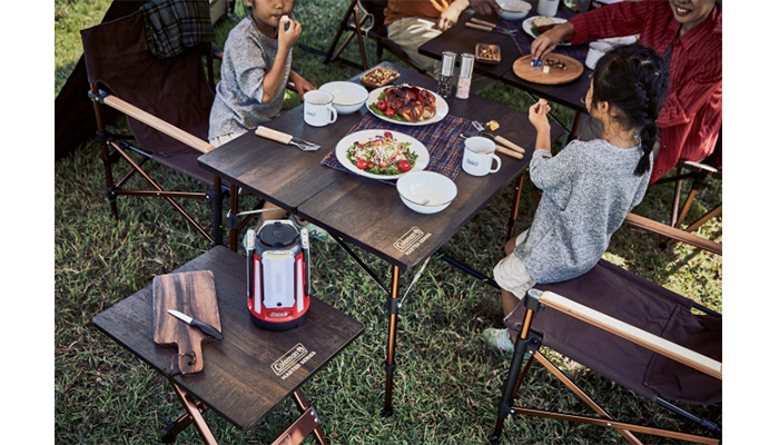 家でもキャンプでも使える丁度いいサイズのサイドテーブル&テーブル1