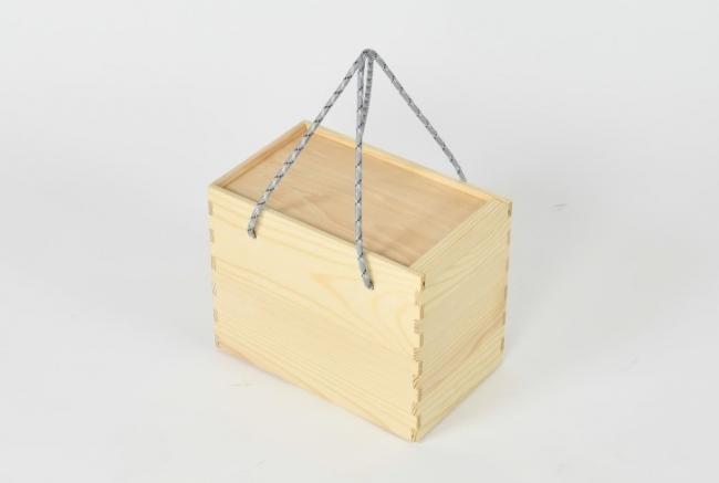 リスのテイラー兄弟のバッグ地域材家具屋がリビングでもキャンプでも使える家具ブランドをローンチ